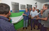 Eduardo Amorim inaugura obras e entrega veículos em Campo do Brito