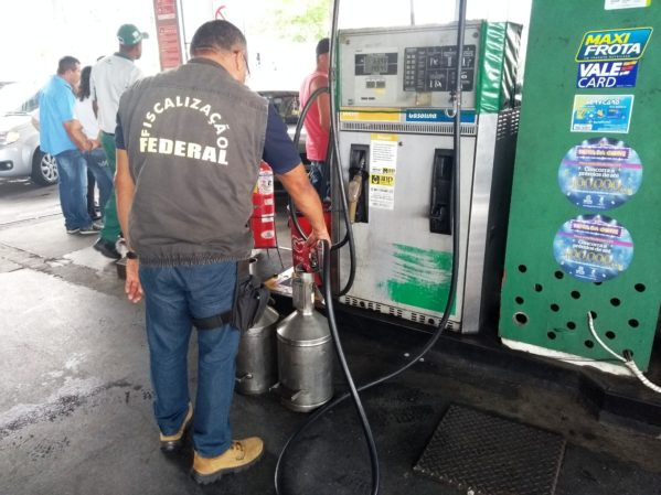 ITPS fiscaliza bombas de combustível nos postos de Sergipe