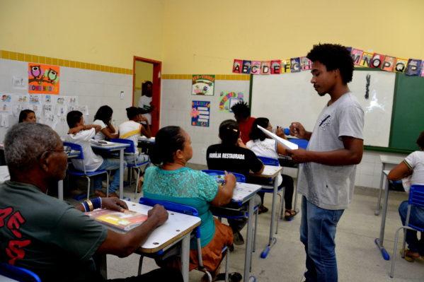 Prefeitura de Aracaju abre vagas para a Educação de Jovens e Adultos (EJA)