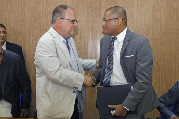 Governador empossa novo diretor-presidente da Adema