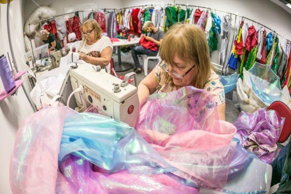 NAT oferece vagas de costureira e vendedor