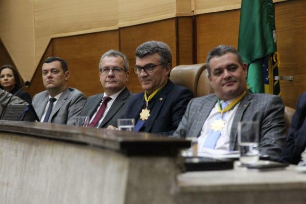 Governador em exercício participa de sessão especial da Assembleia Legislativa de Sergipe
