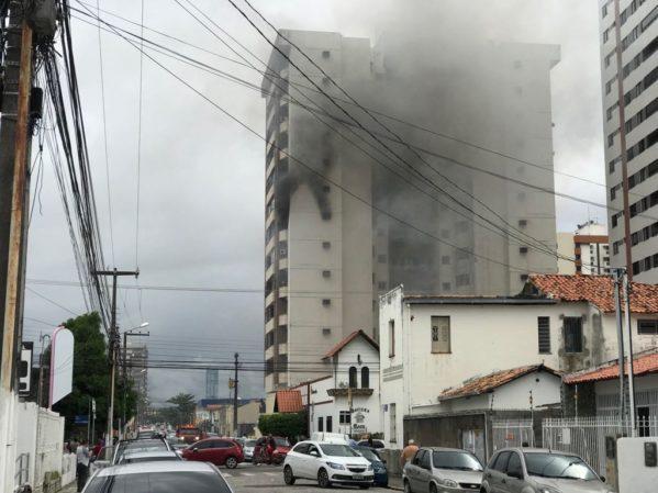 Princípio de incêndio atinge apartamento em Aracaju