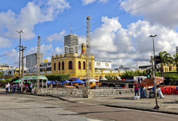 Forró Caju 2018: começa a montagem da estrutura na praça Hilton Lopes