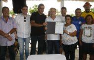 Governador assina ordem de serviço para construção dos atracadouros da Ilha Mem de Sá e do Povoado Caibrós, em Itaporanga