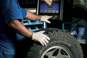 Fundat oferta vagas de emprego para alinhador de pneus, instalador de acessórios (veicular) e vendedor de consórcio