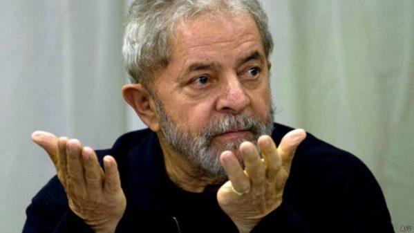 Membros do Ministério Público pedem afastamento do desembargador que mandou soltar Lula