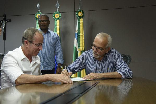 Edvaldo Nogueira reassume comando da Prefeitura de Aracaju