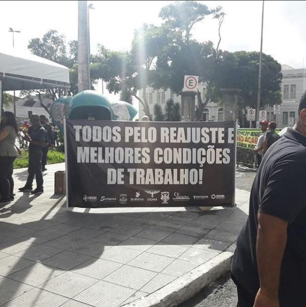 Servidores de Aracaju fazem paralisação de 48 horas