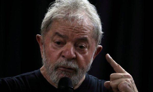 TSE suspende propaganda do PT com Lula candidato