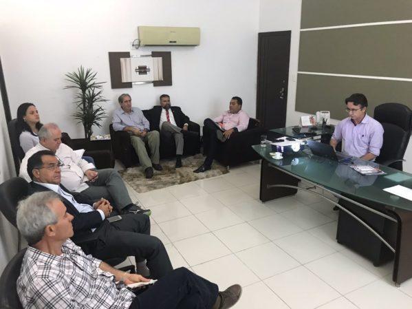 Gestores Agência Reguladora de Serviços Públicos do Estado e Sergas discutem tarifa de gás