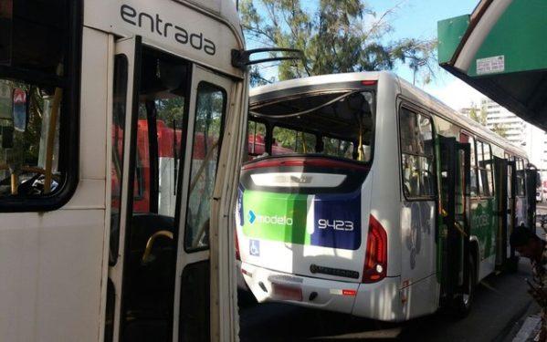 Prefeitura de Aracaju recupera calçada do mercado Maria Virgínia Franco