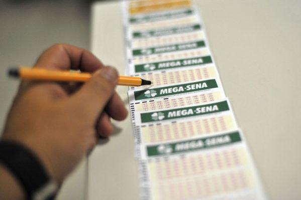 Mega-Sena sorteia prêmio de R$ 20 milhões nesta quarta-feira