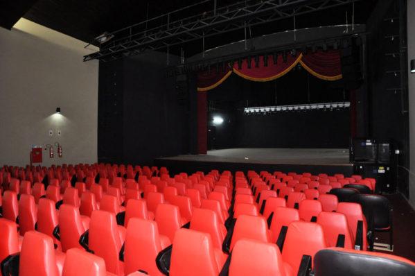 Poltronas do Teatro Atheneu serão substituídas