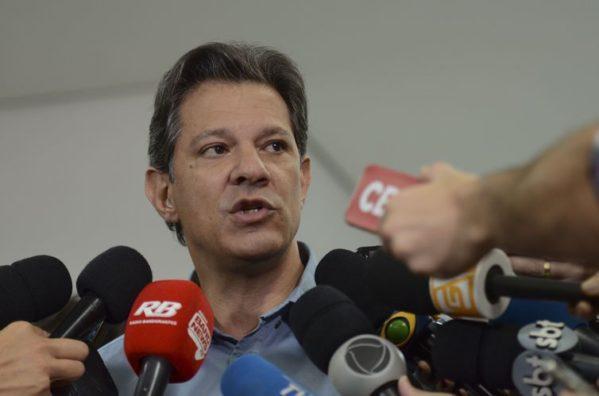 Haddad diz que substituirá toda a equipe econômica de Temer, caso vença