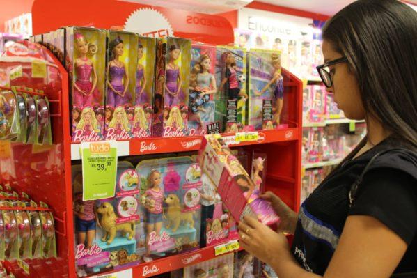 Procon divulga pesquisa comparativa de preços e orienta consumidores para o Dia das Crianças