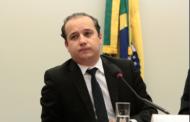 Justiça condena Valadares Filho e sua irmã a pagar multas que superam R$100 mil por divulgação de pesquisa falsa