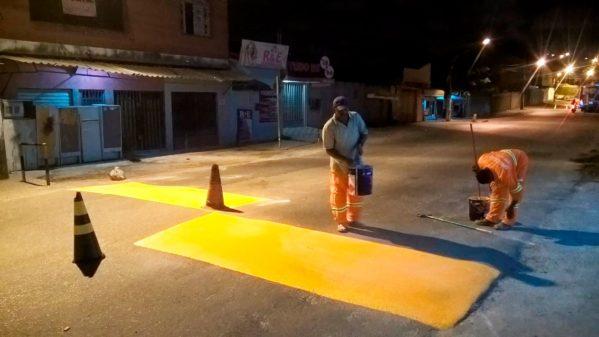 Prefeitura de Aracaju revitaliza sinalização da avenida Paulo Figueiredo Barreto, no Lamarão