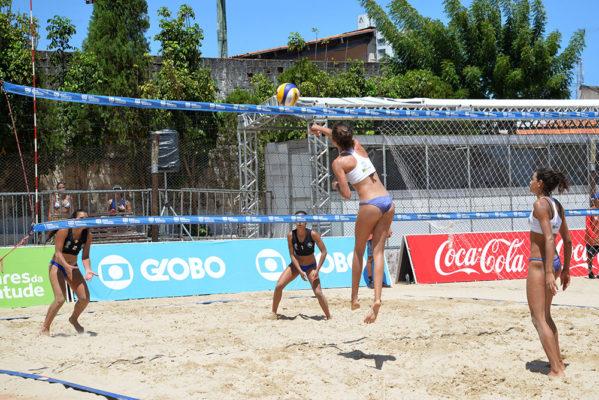 Jogos Escolares da Juventude: Dupla do Vôlei de praia feminino sobe ao pódio e traz medalha de ouro para Sergipe