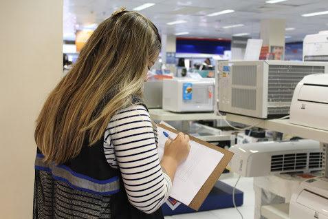Procon dá dicas para consumidores durante a Black Friday