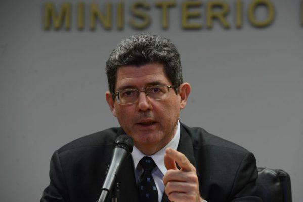 Polícia Federal investiga possíveis irregularidades no processo licitatório para contratar artistas para o Arraiá do Povo