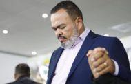 Polícia Federal leva o deputado eleito Valdevan Noventa para o presídio de Estância