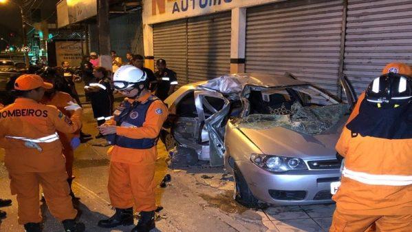 Um homem morre e outro fica ferido após acidente na avenida Coelho e Campos, em Aracaju