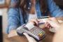 Federação Brasileira de Bancos alerta foliões sobre golpes com cartão de crédito ou débito