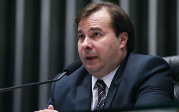 Presidente da Câmara indica que vai tirar pacote anticrime de Moro da agenda
