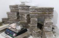 Homens são presos com 85 kg de drogas em duas residências de Aracaju