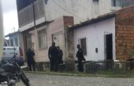 Em Aracaju, homem liga para Polícia Militar, diz que matou companheira e foge