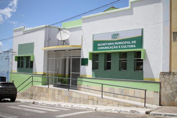 Biblioteca Municipal José Amado Alves ganha nova fachada
