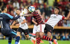 Atlético-PR elimina o Flamengo diante de quase 70 mil flamenguistas