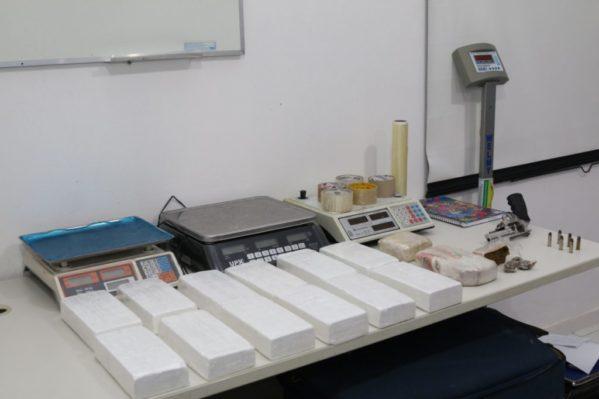 Polícia Civil prende dupla de traficantes com 12 kg de cocaína e 1.5 kg de crack em Aracaju