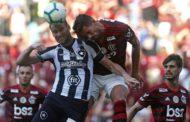 Flamengo vence Botafogo em grande clássico no Maracanã e se aproxima da ponta