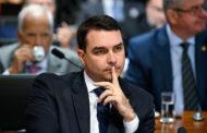 Ministro do Supremo atende a pedido de Flávio Bolsonaro e suspende processo com dados do COAF