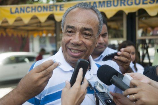 Ex-governador João Alves sofre mal súbito e está na UTI, em Brasília