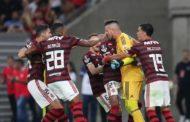 Nos pênaltis, Flamengo vence Emelec e está nas quartas de final da Libertadores