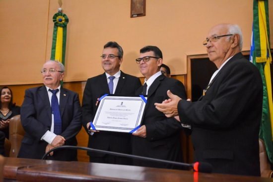Luciano Pimentel homenageia Maçonaria e destaca papel social da instituição