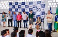 Gestão do prefeito Marcos Santana entrega mais uma escola reformada, ampliada e climatizada no Jardim Universitário