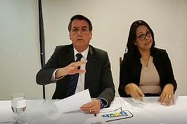 Países usam incêndios para tentar prejudicar o Brasil, diz Bolsonaro