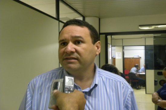 Juiz inocenta médico acusado de desviar remédio do Huse