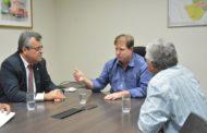 Deputado Luciano Pimentel apresenta a Deso demandas de Itaporanga e Socorro
