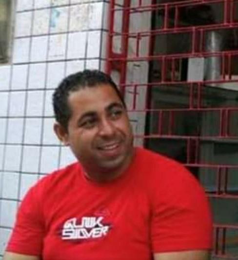 Homem se suicida cravando faca no peito em São Cristóvão