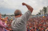 Após decisão judicial, Lula deixa a prisão na PF em Curitiba