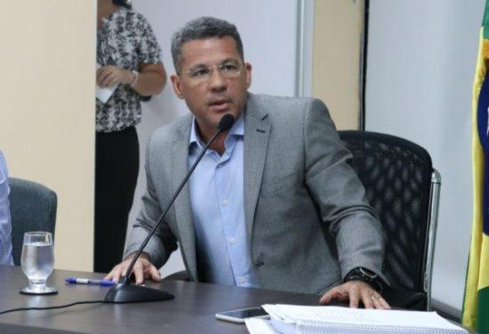 Sargento Vieira é um eterno candidato que tenta usar os militares para se promover politicamente, diz secretário