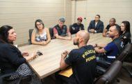 Agentes penitenciários protestam contra a terceirização e cobram a convocação dos aprovados no concurso da categoria