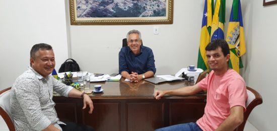 Prefeito Marcos Santana recebe adesão política de Augustinho