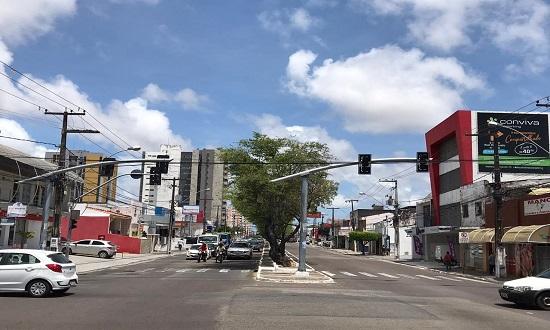 SMTT altera trânsito na Hermes Fontes para iniciar corredor de ônibus