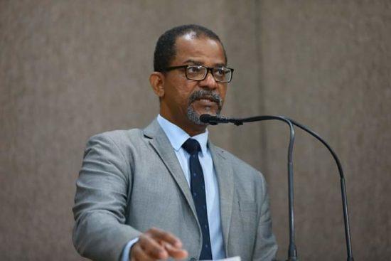 Professor Bittencourt repudia qualquer manifestação pelo fechamento do STF e do Congresso Nacional